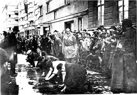 1_Jewish businessmen of 3 District of Vienna forced in March and April, 1938 to rub sidewalks