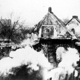4_Burning Eisenach Synagogue, November 1938 Pogroms