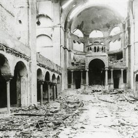 5_Interior view of the destroyed Fasanenstrasse Synagogue, Berlin burned on Kristallnacht, November Pogroms