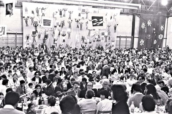 Passover Seder for 1,500 people held in the decorated sports hall at Kibbutz Na'an, April 9, 1971