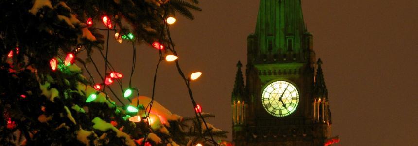 Peace Tower A t Christmas_bannert